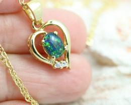 Lovers heart shape opal pendant NA 329