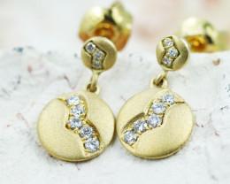 18K Yellow Gold Diamond Earrings - H85 - E11572