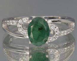 Beautiful natural Emerald  silver ring size P code NA 429