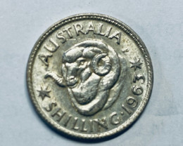 One Uncirculated  Australian Shilling 1963 .500 silver CP 616