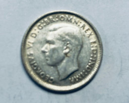 One Australian Sixpence 1962 .500 silver  CP 619