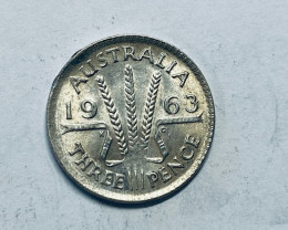 One Australian StHREEPENCE 1963 .500 silver  CP 621