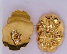2.751 Grams 18 K Gold Earrings , Sea Shell  Design code L630