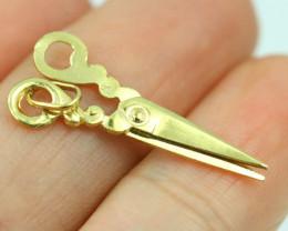 0.75 Grams 9 K Scissors Gold Pendant,movable!  [T52]