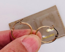 .7599 Grams 9 Ct English Gold earrings L444