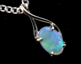 18k White Gold Aussie  crystal Opal Pendant  code T78