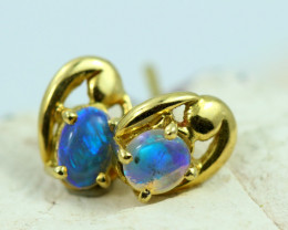 18k gold Aussie Crystal  Opal Earrings  code T80