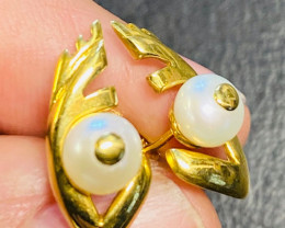 3.689 Grams 18 K Gold Earrings Pearls L 905