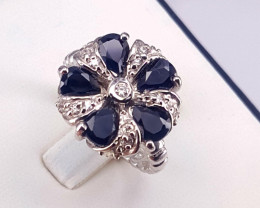 Cluster Sapphire   in silver ring size L Code NA 577