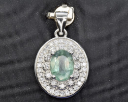Emerald  in silverpendant cz Code NA 581
