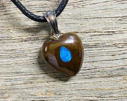 Inlayed Heart quality Australian Koroit opal NA 625