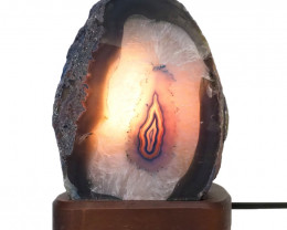 2.6kg Agate Crystal Lamp with Timber Base S826