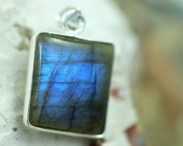Cabochon Labradorite Silver Pendant NA 786