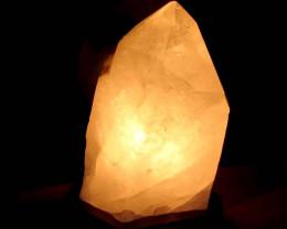 3.30 KILO POLISHED QUARTZ LAMP MYGS 165