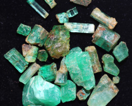 10 Cts parcel Emerald specimens CH 966