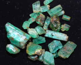 9.15 Cts parcel Emerald specimens CH 969