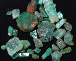 11.4 Cts parcel Emerald specimens CH 971