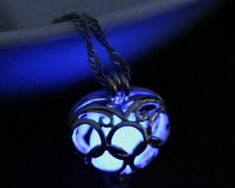 Lovers Luminous Heart Shape Bell Pendant Ch 974-1