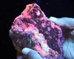 1  kilo Fluorescent Minerals -Australian Mary kathlen Mine MM 120
