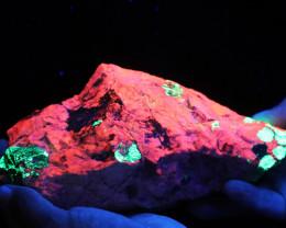 2.110 kilo Fluorescent Minerals -Willemite & Calcite USA specimen MM 114