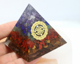 5 cm Seven Chakra Gemstone Pyramid AHA 106