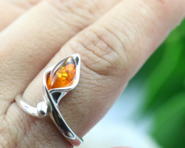 Natural  Baltic Amber Sterling Silver  Ring size P  code GI 106