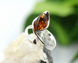 Natural  Baltic Amber Sterling Silver  Ring size R  code GI 108