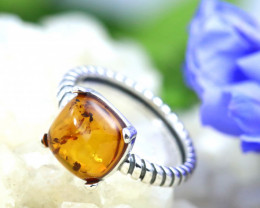 Natural  Baltic Amber Sterling Silver  Ring size R  code GI 239