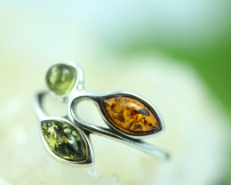 Natural  Baltic  Amber Sterling Silver Ring size K  code GI 713