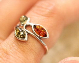 Natural  Baltic  Amber Sterling Silver Ring size L  code GI 717