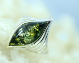 Natural Green Baltic  Amber Sterling Silver Ring size P  code GI 795