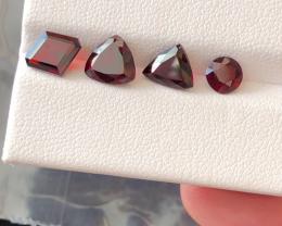 5.20 carats, Natural Rhodolite Garnet.