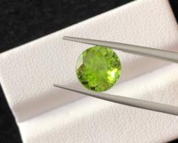 4.25 carats, Natural Peridot.