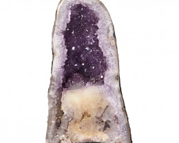 8.40kg Amethyst Cathedral Geode DS937
