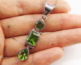 38 cts Peridot Gemstone set in silver rPendant MJA 1143