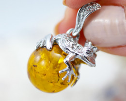 Baltic Amber Frog  Pendant ,direct from Poland AM1542