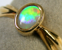 Aust - N Size ROLLING GREEN FIRE CRYSTALOPAL 18K GOLD RING SIZE 7 SCA1283
