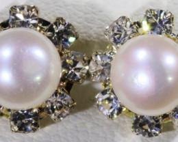 Fresh water pearl earring   BU  2612