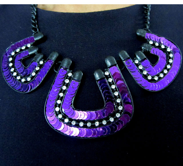 V SHAPE SEQUINCE   DESIGN CREATIVE NECKLACE QT 128
