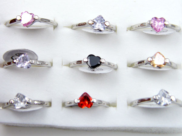 RESELLERS TRAY OF 9 HEART  RINGS  @ $2.50 PER RING AAT307