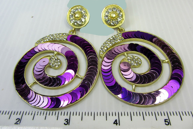 STUNNING ROUND SEQUINCE EARRINGS QT 139