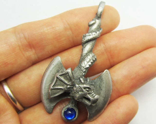 FREE SHIPPING QUALITY MADE PEWTER PENDANT  QT 568