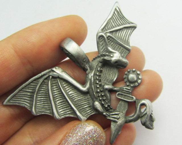 FREE SHIPPING QUALITY MADE PEWTER PENDANT  QT 569