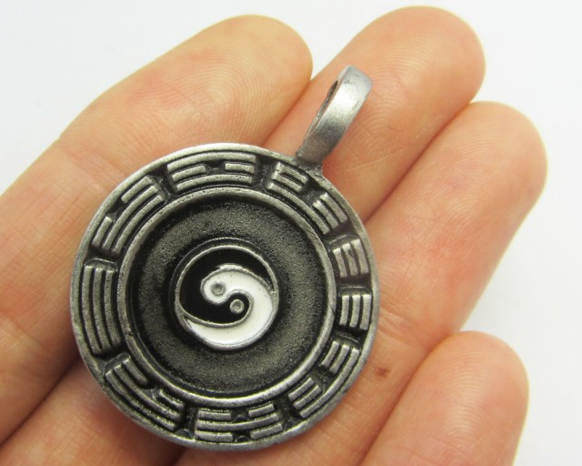 FREE SHIPPING QUALITY MADE PEWTER PENDANT  QT 593