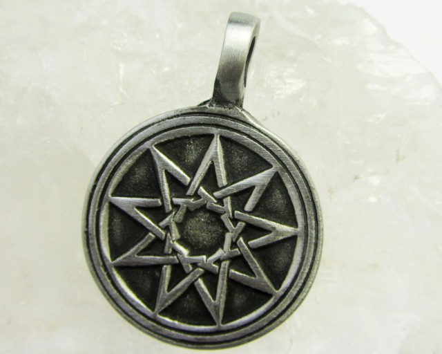 FREE SHIPPING QUALITY MADE PEWTER PENDANT  QT 614
