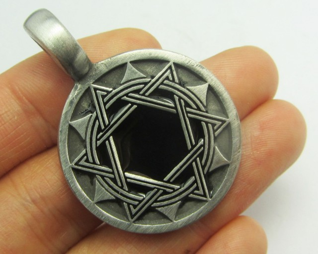 FREE SHIPPING QUALITY MADE PEWTER PENDANT  QT 617