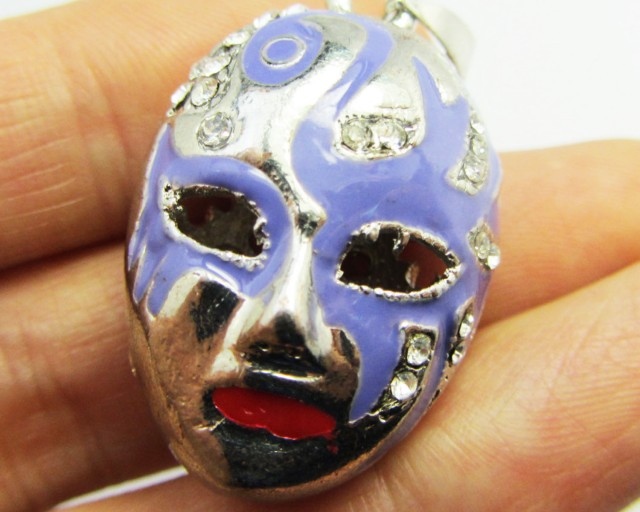 FREE SHIPPING ENCLOSED RED MASK PENDANT   QT 628