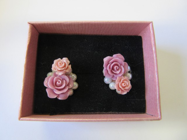 HAND MAN GIFT BOX EARRINGS agr 701
