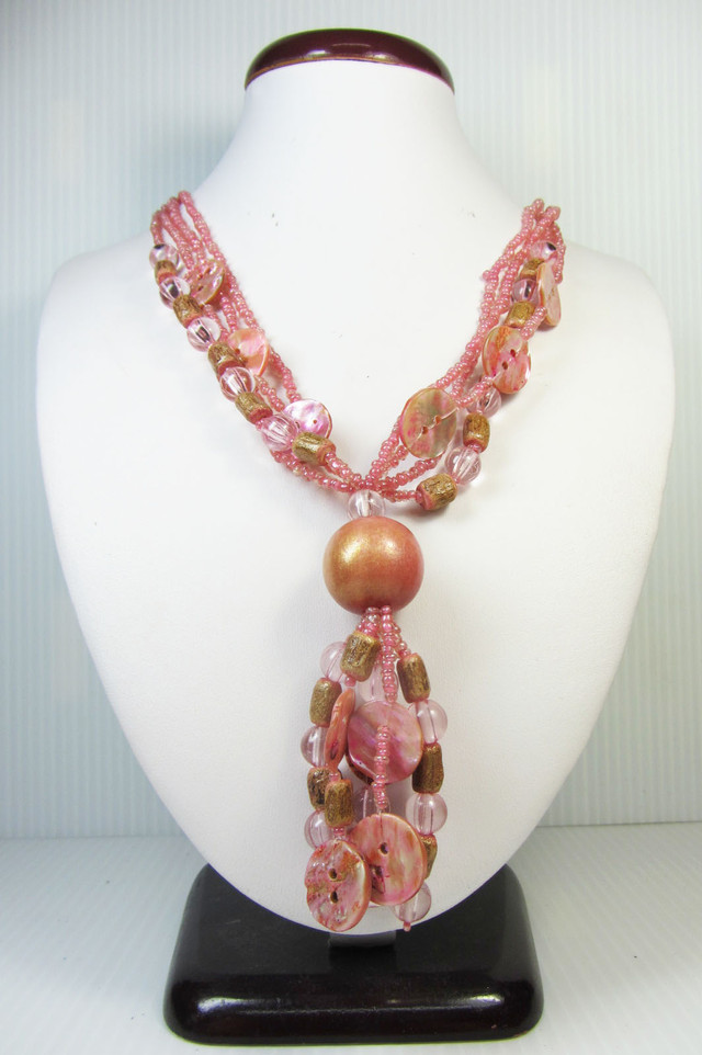 CUTE PINK  PEARL SHELL   STYLE  NECKLACE    QT190