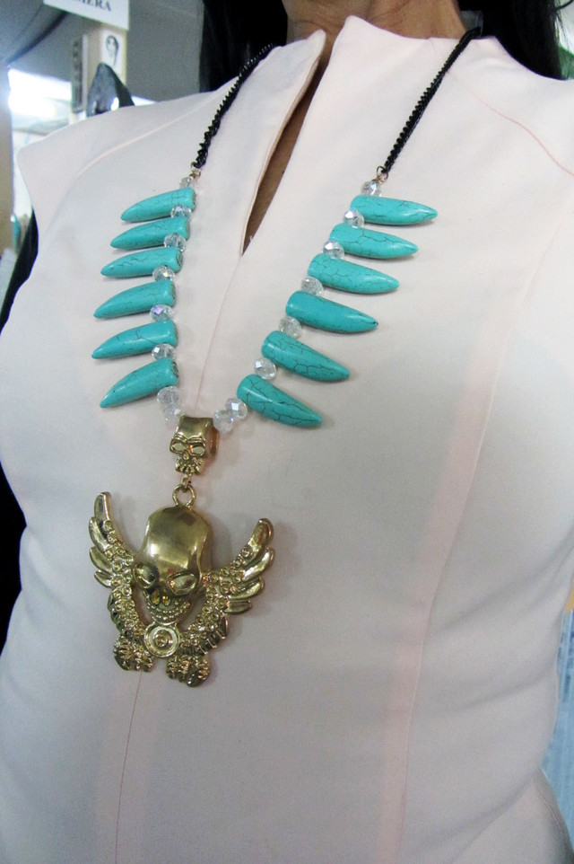 TURQUOISE SKULL LONG    STYLE  NECKLACE    QT251